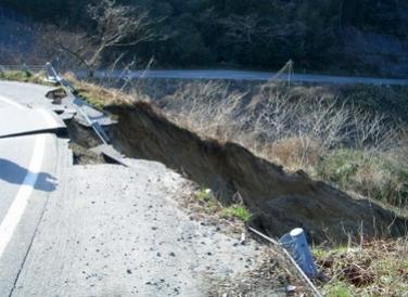 国道249号 志賀町の盛土崩壊