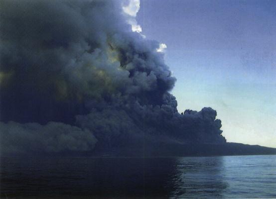 伊豆諸島の群発地震と火山噴火